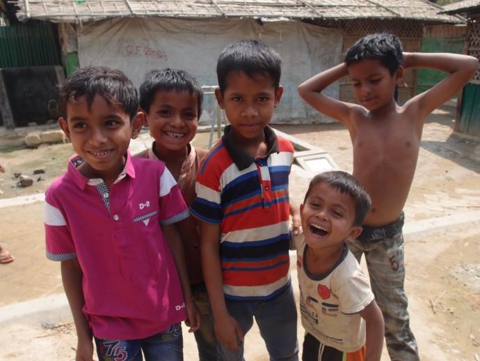 ロヒンギャ難民キャンプの子どもたち